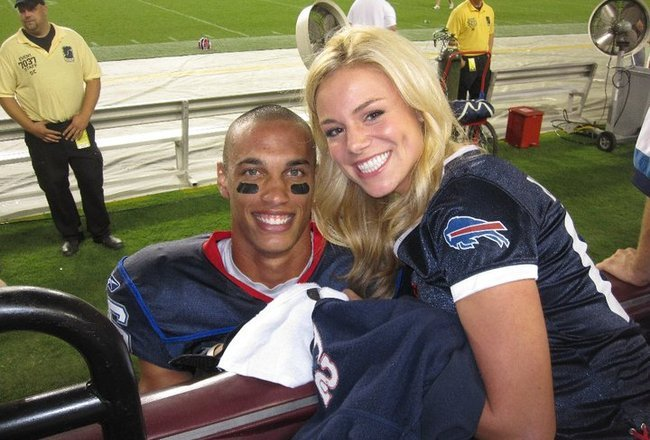 nfl cheerleaders dating football players