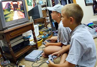 Kids-playing-a-video-game_crop_340x234