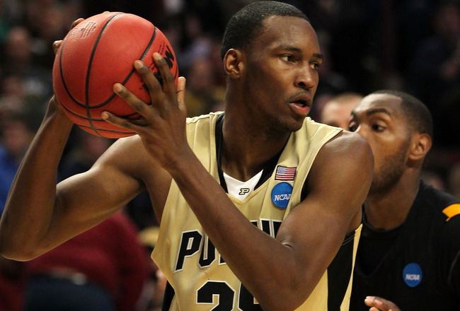 Former Purdue guard Moore signs with CELTICS