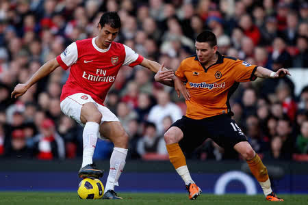 5 Reasons Why Marouane Chamakh Needs To Leave Arsenal