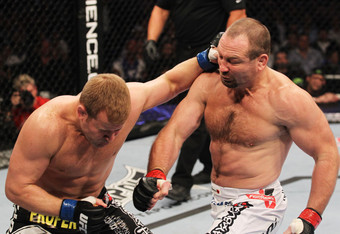 Ufc129_09_matyushenko_vs_brilz_002_crop_340x234