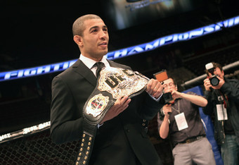 Jose-aldo-ufc-belt_crop_340x234