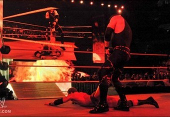 Kane-dragging-zack-ryder-560x315_crop_340x234