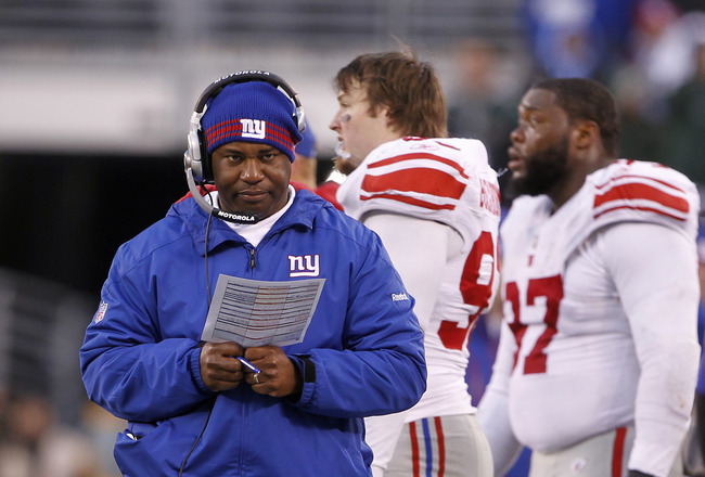 EAST RUTHERFORD, NJ - DECEMBER 24:  Defensive coordinator Perry Fewell of the New York Giants during a game against the New York Jets at MetLife Stadium on December 24, 2011 in East Rutherford. New Jersey. The Giants won 29 - 14. (Photo by Rich Schultz/Getty Images)