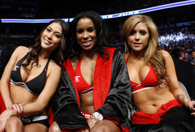 Ring Girl Chandella Powell's Adult Film Past Won't Cost Her a Job