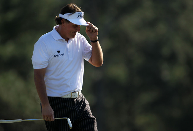 Column: Mickelson poised for a good late ending of a Masters that began early