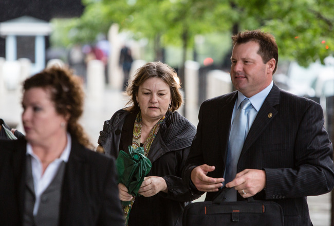 WASHINGTON - MAY 14: Former Major League Baseball pitcher Roger Clemens (R) arrives at federal court for his perjury and obstruction trial on May 14, 2012 in Washington, DC. Clemens' former strength trainer Brian McNamee is expected to testify against Clemens as early as today. (Photo by Brendan Hoffman/Getty Images)