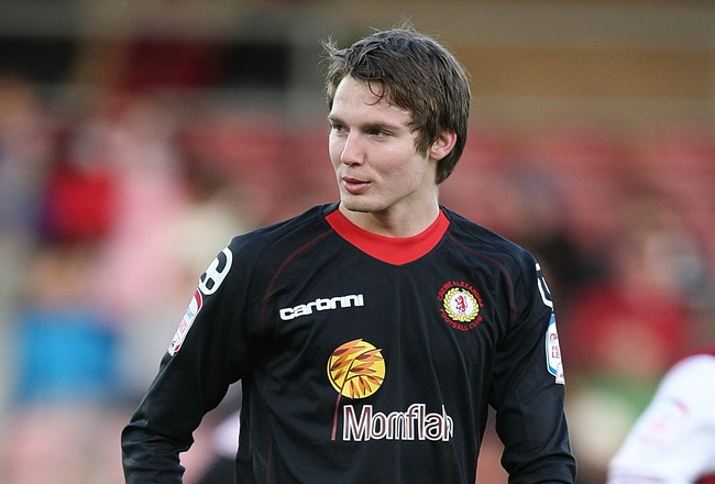 NORTHAMPTON, ENGLAND - DECEMBER 10:  Nick Powell of Crewe Alexandra in action during the npower League Two match between Northampton Town and Crewe Alexandra at Sixfields Stadium on December 10, 2011 in Northampton, England.  (Photo by Pete Norton/Getty Images)