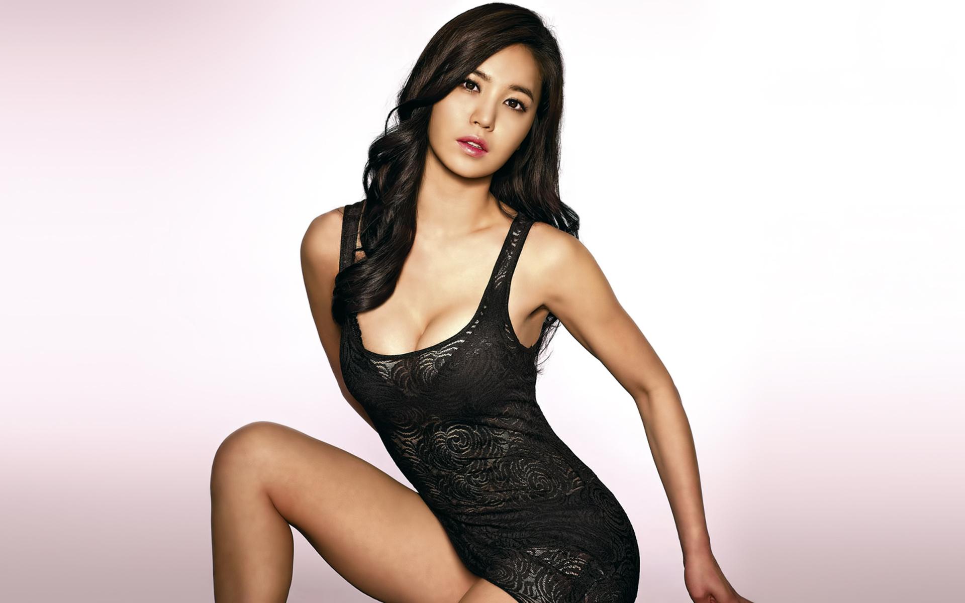 Sexy ass asian girl