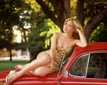 Christinaapplegate_display_image