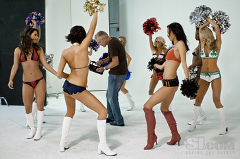 09nbacheerleadersbehind10_display_image