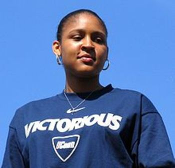 220pxmayamoore2009_display_image