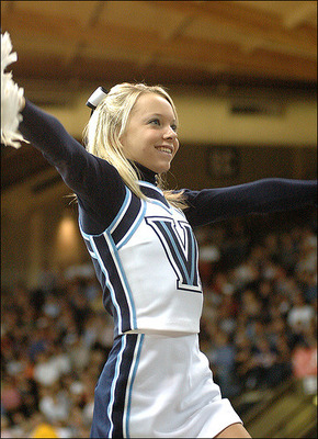 Villanovahotcheerleader_display_image