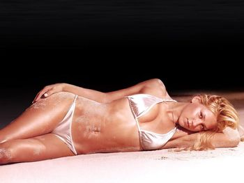 Annakournikova26_display_image