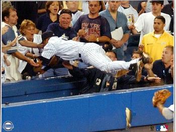 Derek-jeter-dive-into-stands_display_image