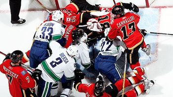 Nhlgcanucksflames1576_display_image