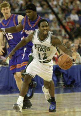 Mateen_cleaves_2000_championship_display_image