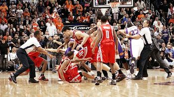 Nba_ap_suns_rockets_fight_580_display_image