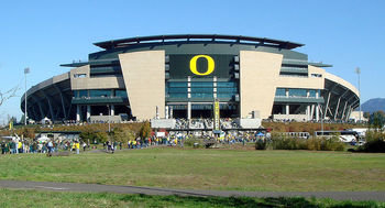 800px-102707-oregon-autzenstadium-ext_display_image