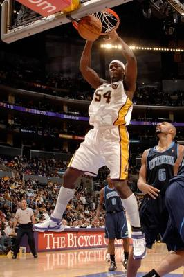Kwamebrowntwohanddunkfullj_getty-76076024ng013_jazz_lakers_display_image