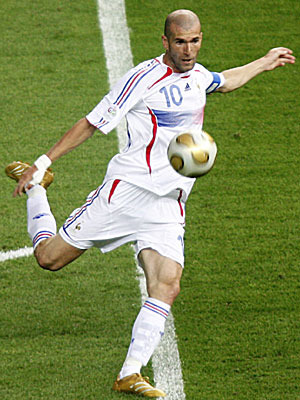 09_zinedine_zidane_dpa_300_display_image
