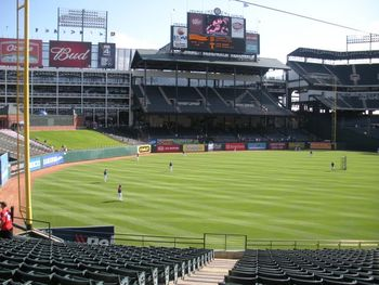 Rangers-ballpark-in-arlington-interior_display_image