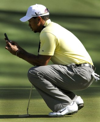 Tiger-woods-phone_display_image