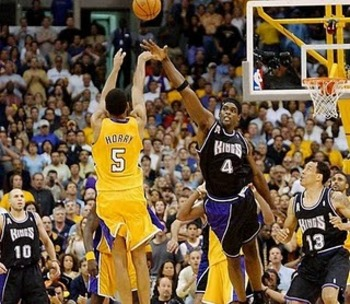 Robert-horry-s-game-winner-vs-kings-los-angeles-lakers-8858019-666-579_display_image