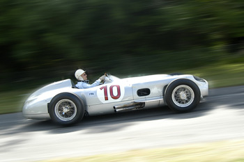 Stirlingmoss_mercedes_w196-2_display_image
