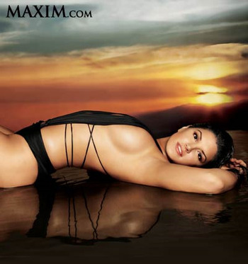 Gina_carano_maxim33_display_image