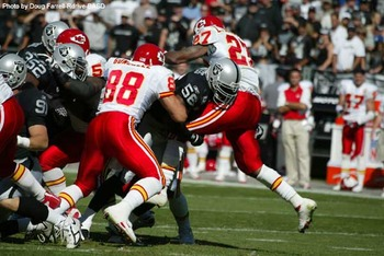 Raiders-vs-chiefs-2007_display_image