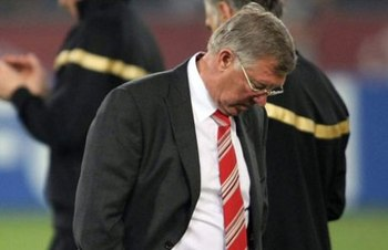Sirl-alex-ferguson-defeated-09_display_image