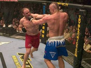 Ufc43_couture_vs_liddell_aim640_medium_display_image