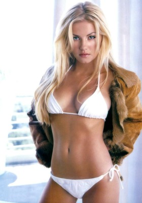 Elisha-cuthbert_display_image