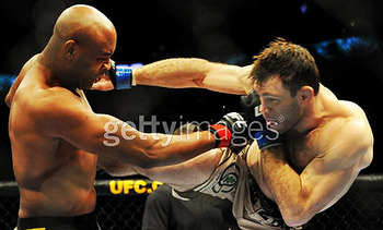 Silva-vs-griffin-ufc101_display_image