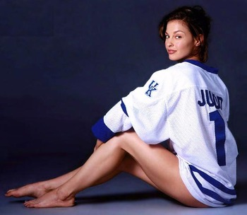 10ashley_judd_kentucky_jersey_display_image