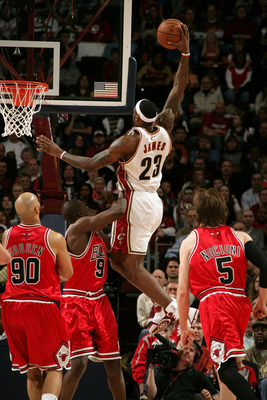 Lebron-james-of-the-cleveland-cavaliers-dunks-against-luol-deng-of-the-chicago-bulls-on-march-2-2008_display_image
