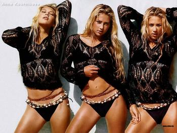 Anna-kournikova-1024x768-157kb-media-166-media-92126-1093700214_display_image