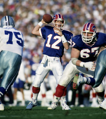Buffalo_bills_hall_of_fame_quarterback_jim_kelly_12_flings_a_p_20070830121840_gallery_600_display_image