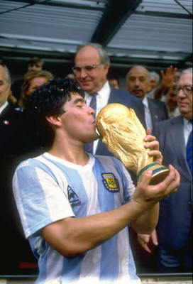 Diego-maradona_1986_display_image