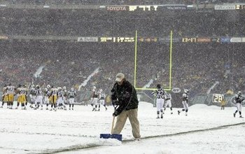 Snow-jets-steelers-giants-stadium-2003-dda6b9f9ca6e4fc2_large_display_image