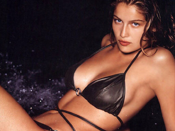 Laetitia-casta-is-a-sexy-french-model-from-normandy-france_display_image