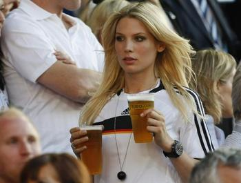Sarahbrandner-bastianschweinsteiger-germany_display_image