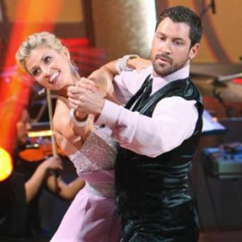 Erin-andrews-and-maksim-chmerkovskiy-photo_345x345_display_image