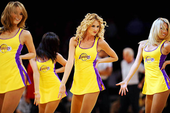 Lakers-girls-11_display_image