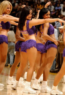 Lakers-girls-12_display_image