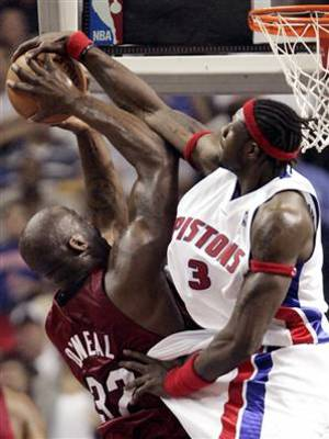 Ben-wallace-and-shaq_display_image
