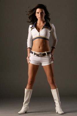19predators_dancers_3_display_image
