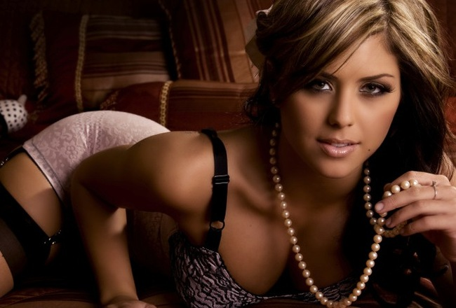 Brittney-palmer_crop_650x440