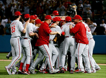 Alg_halladay_mobbed_display_image